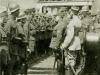 Легионеры в головных уборах Выдумка и русских стальных шлемах модели 1917.